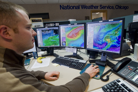 Meteorologists in Ruskin weather center form first line of defense ...